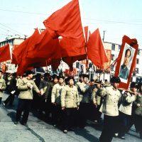 トランプ大統領のバノン主義=アメリカファースト路線と毛沢東の文化大革命=人民独裁路線の類似性の検討!